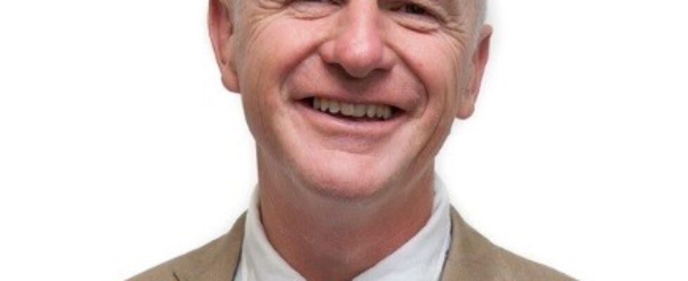 Joe Howe headshot